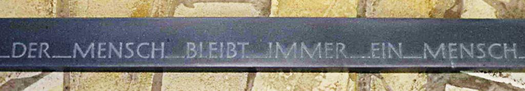 steinobjekte-schriftband-zitat