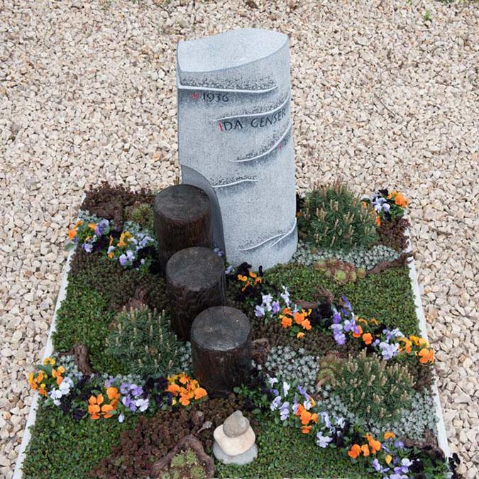 Grabzeichen aus Irish Blue Limestone