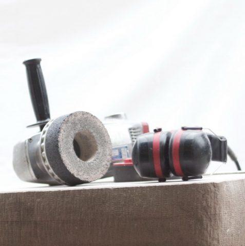 Schleifmaschine-Gehörschutz-Knüpfel_geschnitten