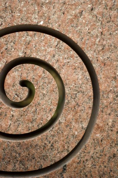 Die Spirale ist das Symbol der Unendlichkeit, aber auch der Wiederkehr und Erneuerung.